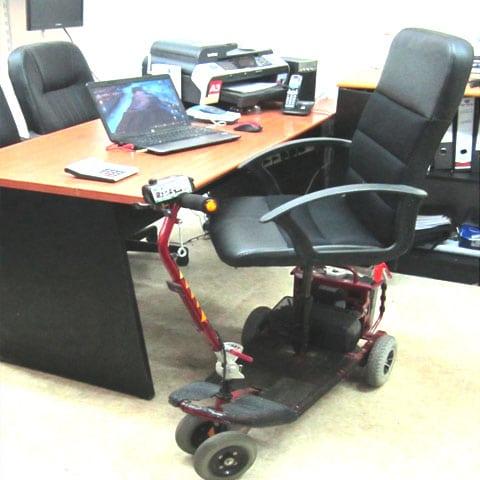 כיסא-משרדי-ממונע-אופיס-1